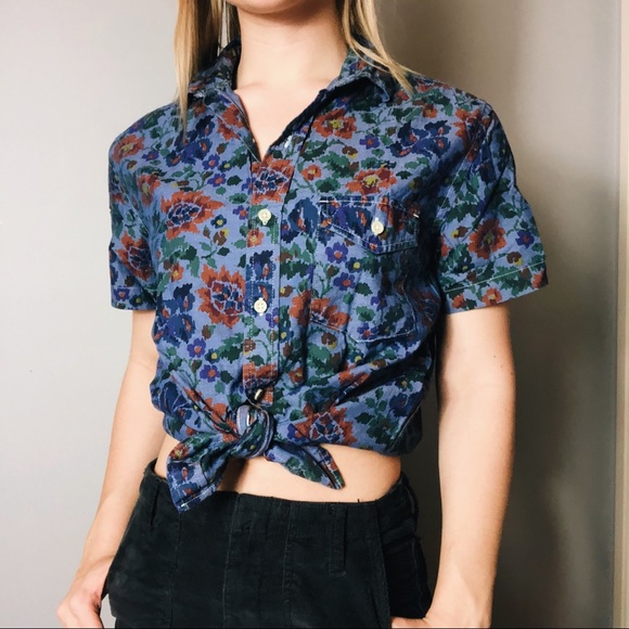 Urban Outfitters Tops - 💐Floral Denim Button Down 💐 XS-S 💐 UO